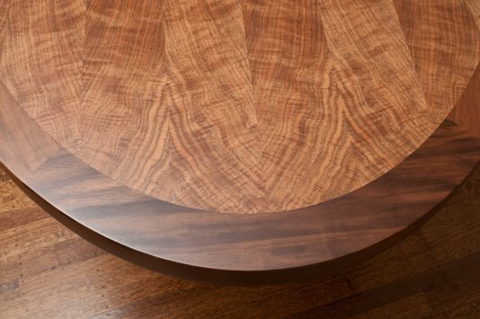 MM dining table detail